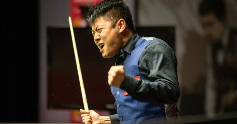 Чемпионат мира: Джимми Уайт выходит во второй круг, Лян Вэньбо делает почти два максимума