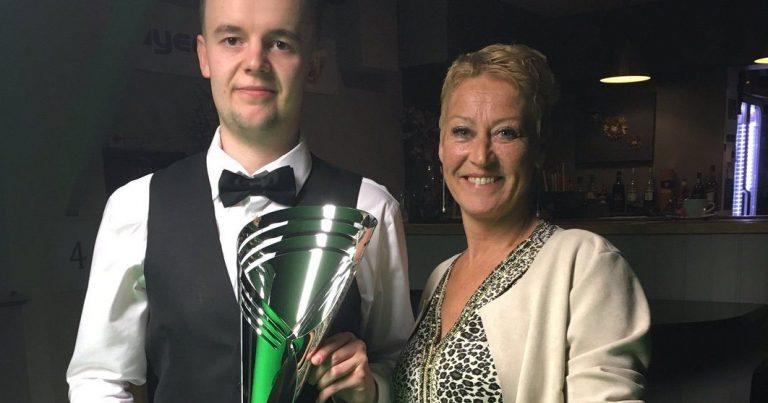 Эшли Хьюгилл — победитель четвертого  турнира Челлендж-Тура.
